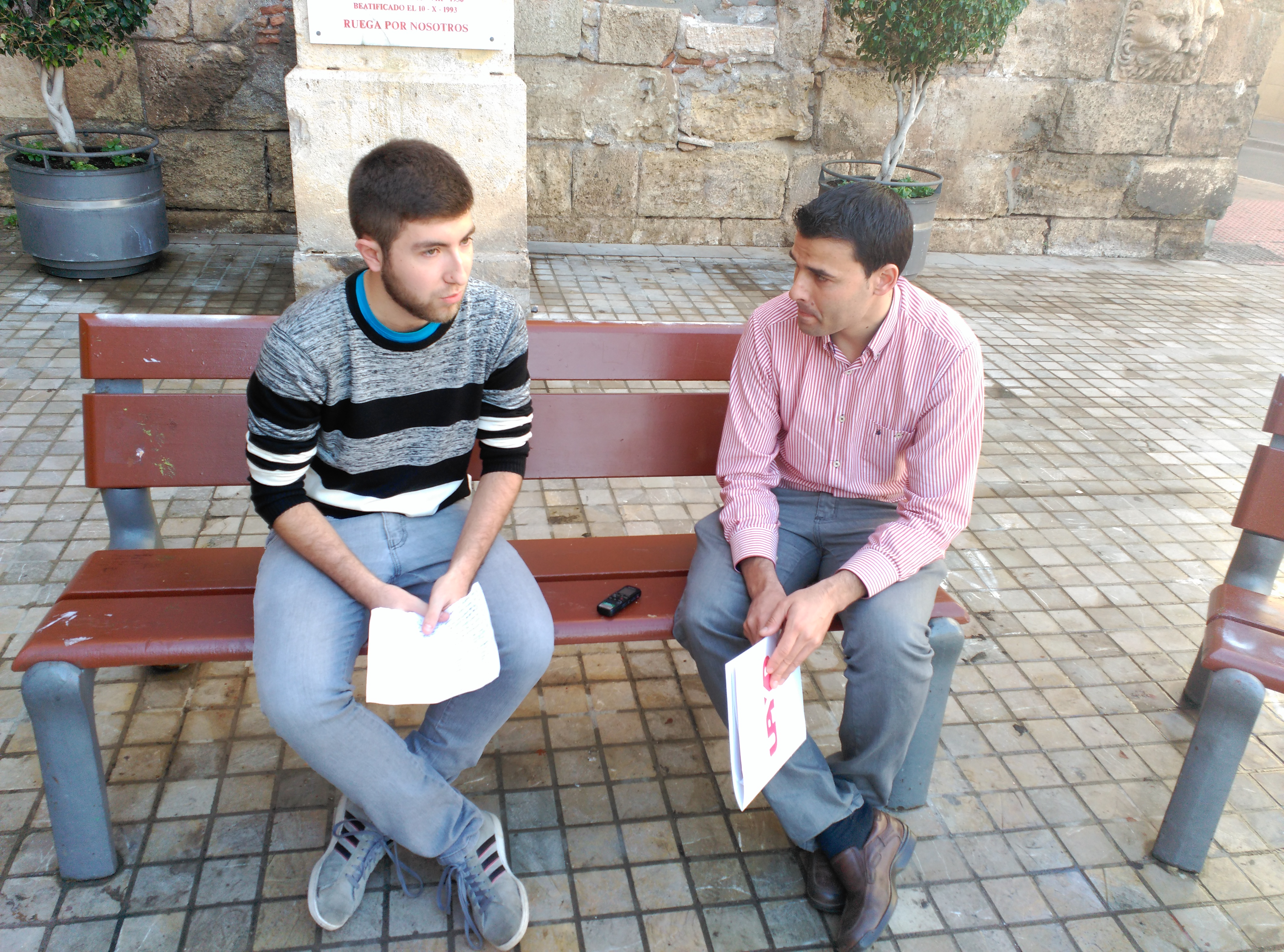 En la plaza de la catedral de Almería/ Salvador Marcet Orozco